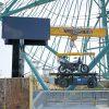 gru a colonna con rotazione elettrica, e carter per copertura ralla e motore di rotazione