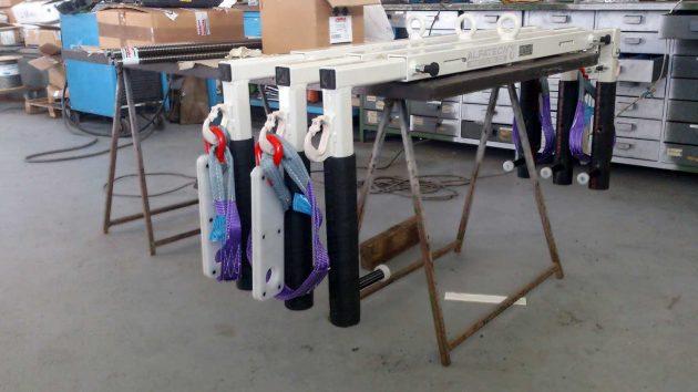 set-bilancini-apribili-a-disegno-complete-di-fasce-e-piastre-per-bloccaggio